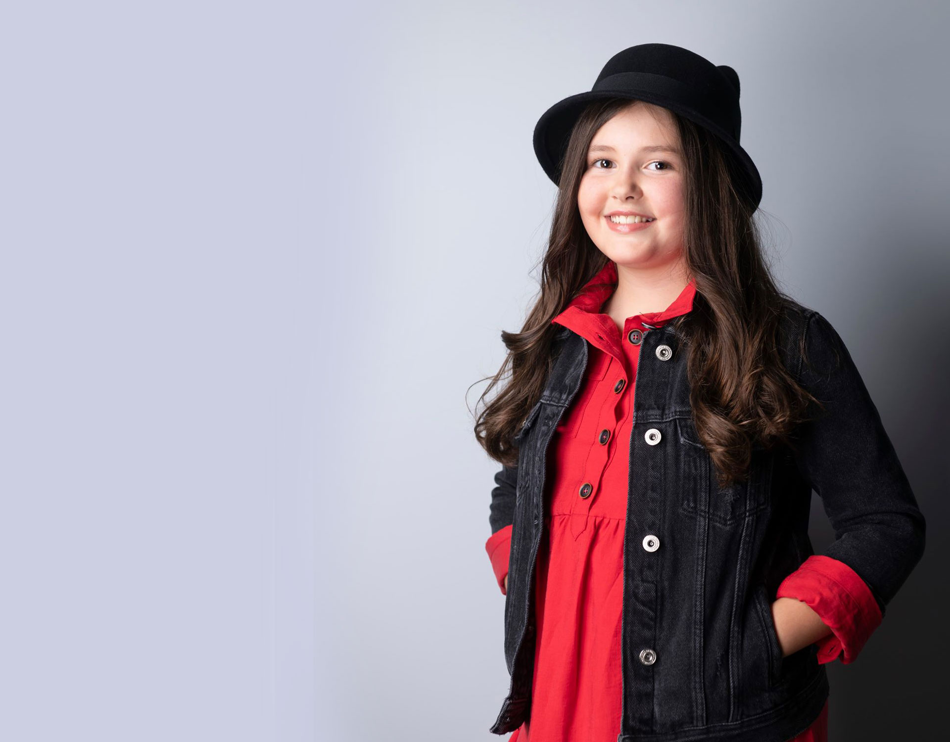 JOANA ALMEIDA - Junior Eurovision Song Contest background image